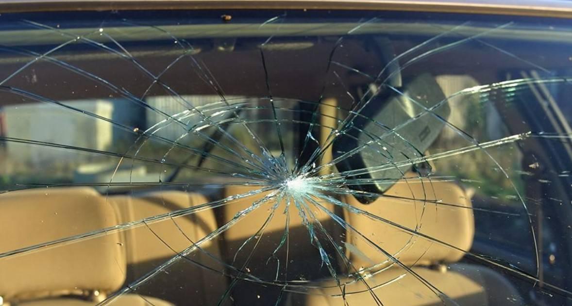 Замена лобового стекла по КАСКО: особенности повреждения подлежащие выплате