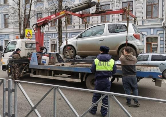 Штраф за эвакуацию автомобиля в Москве, СПб и других регионах в 2021 году