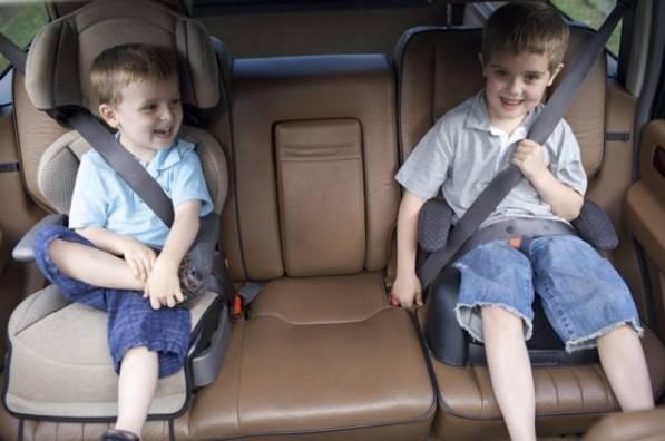 С какого возраста можно возить ребенка без кресла в 2021 году?