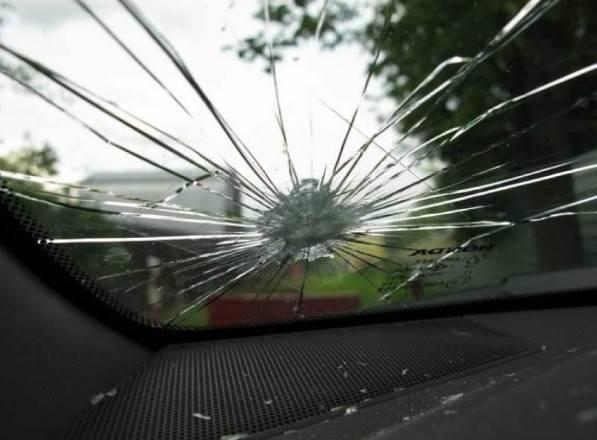 Можно ли поставить машину на учет с трещиной на лобовом стекле?