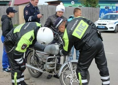 Нужно ли ставить скутер или мопед на учет в ГИБДД