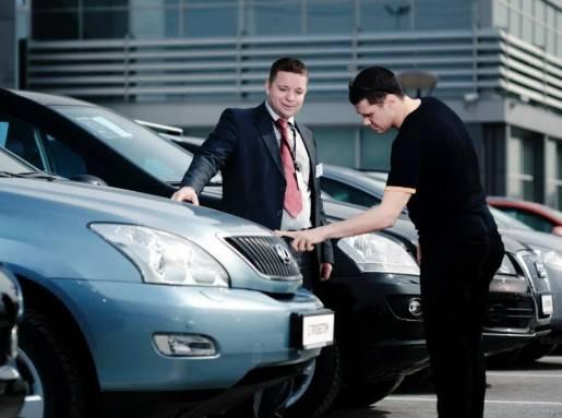 Как правильно купить новый автомобиль в автосалоне?