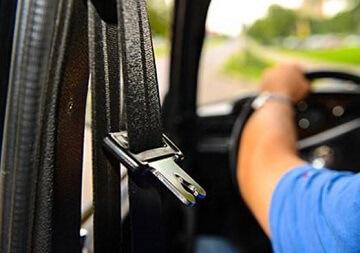 Как избежать штраф за не пристегнутый ремень безопасности?