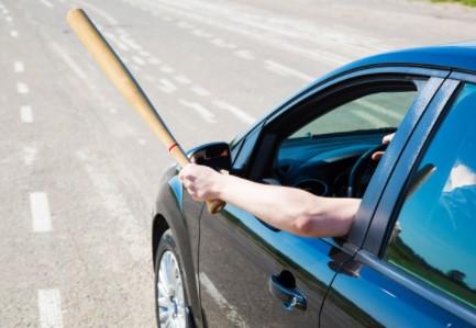Можно ли возить топор или биту в машине?
